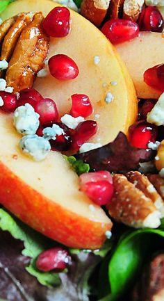 Apple Pear Salad with Pomegranate Vinaigrette - Add a Pinch Pear Salad, Fruit Salad, Healthy Salads, Healthy Recipes, Healthy Food, Healthy Tips, Healthy Eating, Salad Bar, Vinaigrette