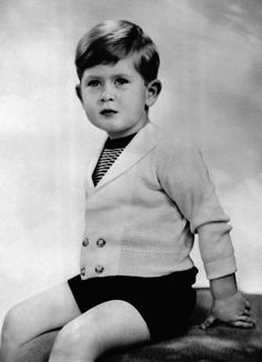 News Photo : Portrait du Prince Charles age de 3 ans au Palais. Prince Charles Age, Prince Charles And Camilla, British Monarchy History, House Of Windsor, Royal Prince, Duchess Of Cornwall, Family Love, British Royals, Princess Diana