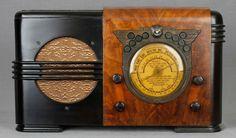 "1938 Detrola T-3 Egyptian ""Wings"" Art Deco pre-war Wood Tube Radio"