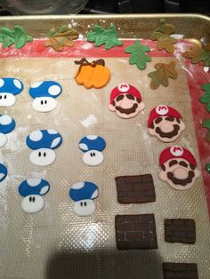Cupcake toppers. Mario