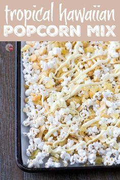 A tropical snack mix of dried pineapple, toasted coconut chips, roasted macadamia nuts, drizzled with white chocolate. Perfect for a slightly healthy popcorn snack mix for those days when you are craving everything! Popcorn Mix, Gourmet Popcorn, Healthy Popcorn, Candy Popcorn, Healthy Snacks, Popcorn Shop, Healthy Chips, Popcorn Bowl, Snack Mix Recipes