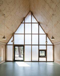 Bâtiments en bois par le studio d'architecture Invisible Studio - Journal du Design