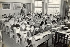 Looking closer at this picture.this class picture must have been taken at the Frederick van Eden school in Amsterdam west. That was my school! Class Pictures, School Pictures, Old Pictures, Great Memories, Childhood Memories, Old Time Photos, Old School House, Good Old Times, Vintage School