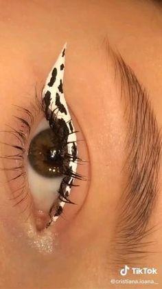 Indie Makeup, Edgy Makeup, Eye Makeup Art, Crazy Makeup, Cute Makeup, Skin Makeup, Eyeshadow Makeup, Makeup Looks, Eyeline Makeup