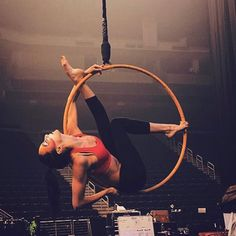 Next week I get to perform in my hometown!!!! I can't even explain how that makes me feel!!!!!! #extremelybloodyexcited #aerialhoop #lyra #cerceau #aerial #circus #circuseverydamnday #performer #acrobat #cominghome #england #leeds #uktour #varekai #cirquedusoleil