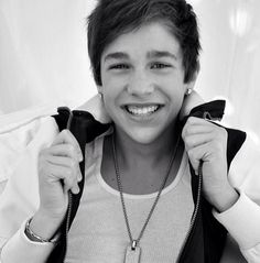 Austin Mahone, he's grown up so much. ah i love hime