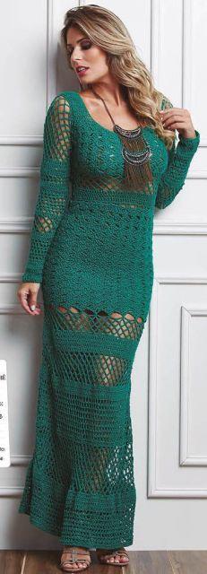 vestido verde manga longa