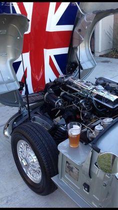 Triumph Motor, Triumph Sports, Classic Sports Cars, Classic Cars, Jaguar Type, Triumph Spitfire, Engine Types, Mk1, Aston Martin