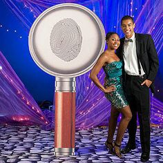 This Giant Magnifying Glass Standee features a fingerprint marking in the center and makes a great prop for any mystery themed event.