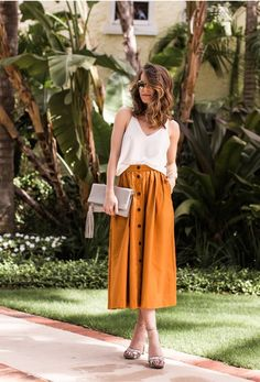 """2019 popular retro fashion """"button skirt"""" Let's take a look! - Page 24 of 48 - zzzzllee Mode Outfits, Casual Outfits, Summer Outfits, Fashion Outfits, Autumn Outfits, Casual Skirts, Midi Skirt Outfit, Midi Skirts, Overalls Outfit"""