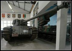 A rare picture of the French ARL44 MBT, quite a capable tank in WoT once you get rid of the horrible stock turret.