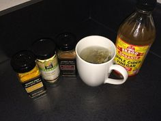 chef v detox tea Caffeine In Tea, Lemon Wedge, How To Squeeze Lemons, Detox Tea, Spices, Cleaning, Healthy Recipes, Tableware