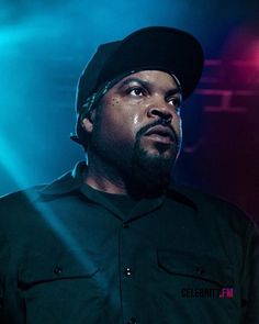 Cubes, Ice Cube Rapper, 90s Artists, Hip Hop Producers, Straight Outta Compton, Rap Wallpaper, Rap Songs, She Movie, American Rappers