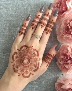 Latest Mehndi Designs 2019 Simple New Style For Hands, mostly we think we can raise our personality by using luxury or designer items like rich jewellery deigns, branded outfits and many. Modern Henna Designs, Latest Henna Designs, Henna Tattoo Designs Simple, Finger Henna Designs, Full Hand Mehndi Designs, Mehndi Designs Book, Mehndi Designs For Girls, Mehndi Designs For Beginners, Mehndi Design Photos