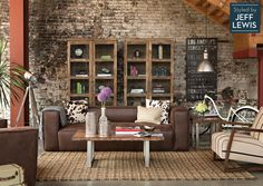 Using a leather sofa and brown hues to create an inviting living space.  [ MexicanConnexionForTile.com ] #LivingRoom #Talavera #handmade