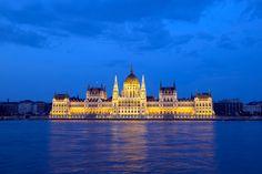 Budapeste - Hungria Parlamento - Fotografia de autoria própria e impressa no processo Fine Art  - Papel fotográfico Hahnemühle Photo Luster 260 gsm - Moldura nas cores branca ou Preta  - As dimensões (altura e largura) podem ser adaptadas à sua necessidade/espaço. 15x21 = R$ 66,00 20x30 = R$ 86,00 30x40 = R$ 126,00 40x50 = R$ 240,00  https://vitrine.elo7.com.br/suafotonaparede