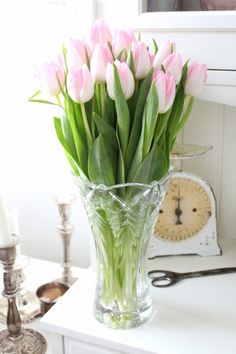 Bara Det Ljuvligaste - Country Decor, Scale, Tulips