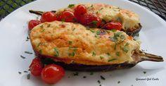 Imagen: www.gourmetgirlcooks.com   Necesitamos   2 berenjenas  sal según sea necesario  Aceite de oliva virgen extra  100 gramos de parmes...