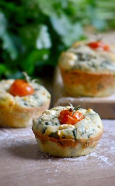 spinach muffins - foodaffair.at Spinach Muffins, Baked Potato, Favorite Recipes, Ethnic Recipes, Blog, Blogging, Baked Potatoes, Oven Potatoes, Roasted Potatoes