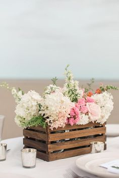 Looking for a rustic DIY centerpiece without all the hassle? Check out this version housed in a wooden crate!