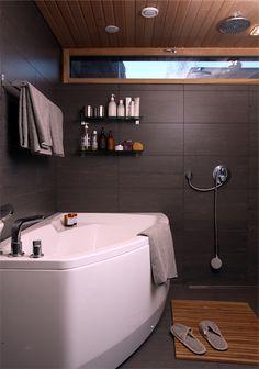 Kivitalo Espoo Laattapiste Zeus-laatta Corner Bathtub, Bathroom Ideas, Bathrooms, Flooring, Bathroom, Full Bath, Wood Flooring, Bath, Corner Tub