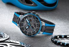 With the T-Race Cycling model, Tissot has made a chronograph with features designed to attract fans of cycling and the Tour de France. Tissot T Race, Swiss Watch Brands, Watch News, Burn Calories, Chronograph, Smart Watch, Watches For Men, Cycling, Bike