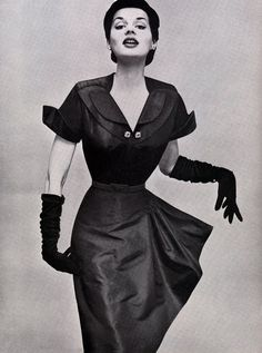 1950s fashion  Love the gloves!