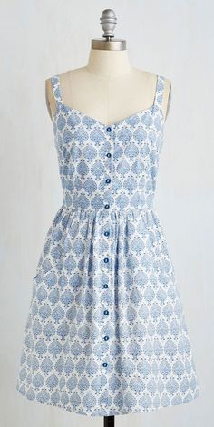 Can't Bold It In Dress in Delft