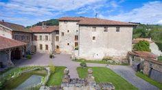 Demeure historique avec Chambres d'hôtes à vendre à Saint Just en Chevalet dans la Loire