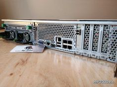Serveur Sun Microsystems x4200 289$ CPU : 2× CPU DualCore AMD Opteron 285 @ 2.6GHz HDD :4× 72GB SAS 2.5 Ram: 16GB (8× 2GB) DDR 3200R  2× Carte fibre Qlogic 24P0961 OS: CentOS 7 Usagé Excellente condition Remis à neuf Sun Microsystems, Waiting Staff