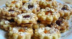 Linzer cookies - the oldest pastries Hungarian Cookies, Hungarian Desserts, Hungarian Cuisine, Hungarian Recipes, Hungarian Food, Linzer Cookies, Cake Cookies, Donut Recipes, Cookie Recipes