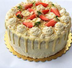 Raffaello torta – Cake by fari Nutella, Camembert Cheese, Cheesecake, Food Porn, Food And Drink, Sweets, Birthday Cakes, Baking, Raffaello