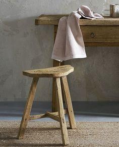 Un tabouret en bois bohème dans ma déco | Shake My Blog Deco Boheme, Decoration, Shake, Stool, Blog, Furniture, Home Decor, Wood Rounds, Small Furniture