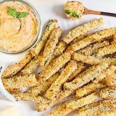 """Homemade Hummus that tastes EXACTLY like garlic white pizza! Served with crispy baked zucchini fries for dipping, this pizza hummus and """"fries"""" combination is healthy AND delicious! Healthy Snaks, White Pizza, Good Food, Yummy Food, Yummy Yummy, Vegetarian Recipes, Healthy Recipes, Homemade Hummus, Zucchini Fries"""