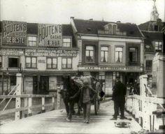 Van Houten ads in Waalkade Nijmegen - 1914