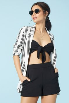 Forever 21 is the authority on fashion & the go-to retailer for the latest trends, styles & the hottest deals. Shop dresses, tops, tees, leggings & more! Forever21, Blazer Fashion, Fashion Outfits, Tween Mode, Leggings, Tween Fashion, Striped Blazer, Western Wear, Suits