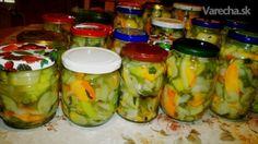 Robila som už mnoho druhov čalalmády. Takú, ako som robila teraz som ešte  neskúšala..prevládajú v nej uhorky a ďaľšie suroviny som pridala podľa toho, čo som našla  na záhrade...pridala som cukinu,cibuľu,papriku a zelerovú vňať...je veľmi chutná.. 20 Min, Pickles, Cucumber, Smoothies, Salsa, Food And Drink, Jar, Canning, Vegetables