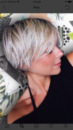 Haircuts For Fine Hair, Cute Hairstyles For Short Hair, Short Hair Styles, Short Silver Hair, Silver Blonde Hair, Short Hair With Layers, Short Hair Cuts For Women, Grey Hair And Glasses, Growing Out Hair