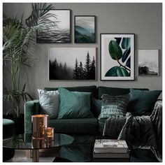 Inspiration for beautiful living room picture wall with posters Desenio - Vardagsrum Diy Living Room Murals, Living Room Interior, Home Living Room, Living Room Designs, Living Room Prints, Living Room Wall Colors, Living Room Paintings, Jewel Tone Living Room Decor, Living Room Artwork