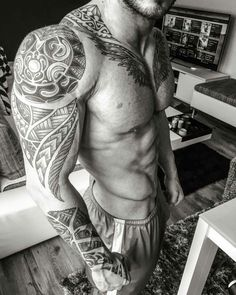 Sleeve Maori