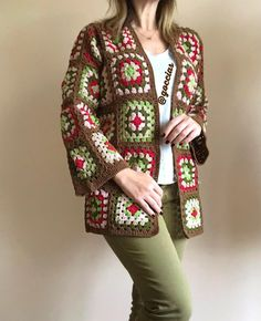How to Crochet a Solid Granny Square Crochet Coat, Crochet Cardigan Pattern, Crochet Shirt, Granny Square Crochet Pattern, Crochet Jacket, Crochet Clothes, Crochet Baby, Crochet Bikini, Crochet Patterns