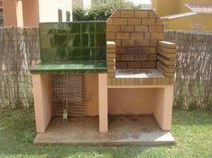 Barbecue in mattoni refrattari e piano appoggio con parete in mattonelle