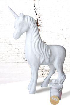 I love  Blanc or White ♥ Licorne repeinte en blanc avec peinture décorative Luminoso de Kubbicolor Made in France Tour, Comme, France, Unicorn, Snow, Paint, Color, French