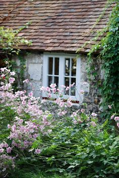 a beautiful little cottage with an english country garden #cvs