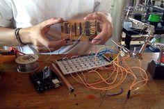 Proyecto Tutupá en desarrollo! Proceso de armado de la placa y matriz de LEDs y botones de la interfaz. Un proyecto de los secos @minorplanets y @brbr__  #hardware #arduino #led #leds #drum #drummachine #stgomakerspace #tutupa #circuit #bending #music #electromusic #electronics #electric #music #machine #work by stgomakerspace