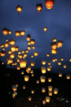 Attend the Sky Lantern Festival in PingShi, Thailand