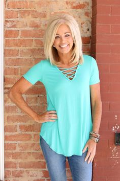 One Faith Boutique is a women's trendy clothing boutique specializing in clothes for women of all shapes and sizes, including Curvy Styles (Size Autumn Fashion 2018, Over 50 Womens Fashion, Fashion Over 50, One Faith Boutique, Blonde Hair Looks, Basic Tops, Shoulder Length Hair, Hair Beauty, Beauty Makeup