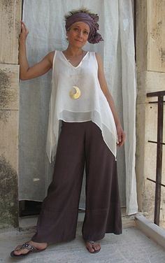 hippie outfits 495747871458188456 - Top double white silk veilSilk shantung pants Source by Mode Hippie, Mode Boho, Hippie Boho, Summer Outfits, Casual Outfits, Cute Outfits, Boho Fashion, Fashion Outfits, Retro Fashion