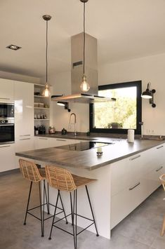 Kitchen Room Design, Living Room Kitchen, Kitchen Layout, Home Decor Kitchen, Interior Design Kitchen, Kitchen Furniture, Home Kitchens, Modern Interior, Modern Kitchen Interiors