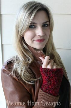 I have a new crochet tutorial over on my YouTube Channel.  A perfect and quick fall accessory, fingerless gloves!  This would also be a great gift for the holidays! Can't see the video?  Click here...